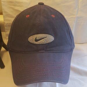 Vintage 90 's Nike hat.